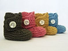 Baby CROCHET PATTERN Baby Button Boots (4 sizes included from newborn to 24 months)