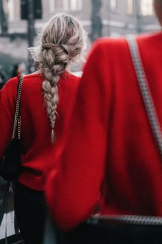A romantic to Milano Modern Hairstyles, Messy Hairstyles, Pretty Hairstyles, Gala Gonzalez, Best Braid Styles, Hair Styles, Fresh Makeup Look, Gucci, Anna Dello Russo