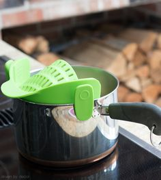 So smart! Clip a strainer on to top of pot to strain pasta and other foods!