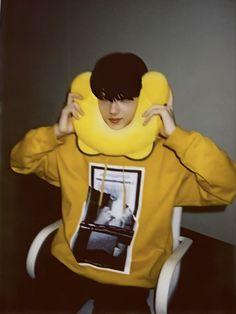 """thread of jisung's huya polaroids 💛"" Park Jisung Nct, Haha, Park Ji Sung, Cute Cartoon Wallpapers, Boyfriend Material, Taeyong, Handsome Boys, Jaehyun, Nct Dream"