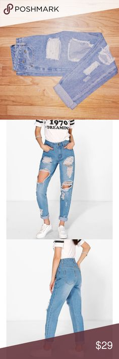 • distressed boyfriend jeans • The most perfect pair of boyfriend jeans I've ever laid eyes on but unfortunately they do not fit me just ever so slightly! These are in size 6, the denim is thick and not stretchy, relatable to Levi's (for reference). They fit so nice, just a bit tight around the waist. Boohoo Jeans Boyfriend