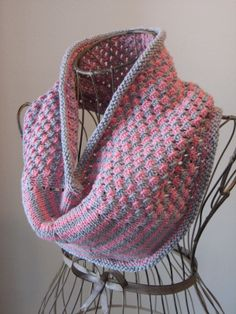 Star Stitch Cowl Balls to the Walls Knits, A collection of free one- and two- skein knitting patterns Chunky Knit Scarves, Crochet Scarves, Knit Crochet, Knit Cowl, Cowl Scarf, Knitted Cowls, Knitting Patterns Free, Free Knitting, Crochet Patterns