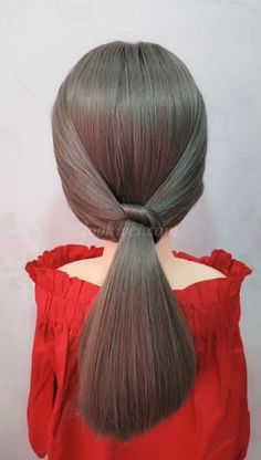 Beautiful low ponytail hairstyle learned in 1 minute - DIY Frisuren lang Hair Tutorials For Medium Hair, Medium Hair Styles, Short Hair Styles, Medium Hair Braids, Low Ponytail Hairstyles, Work Hairstyles, Side Ponytails, Hair Transformation, Hair Videos