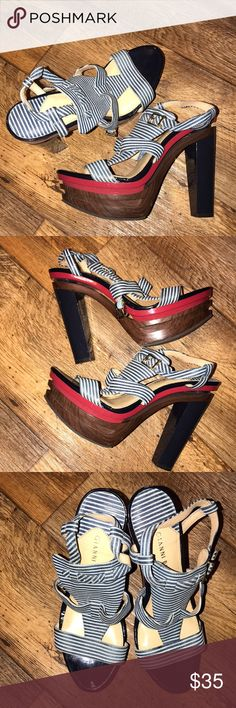 Gianni BINI heels🌹🖤🌴🌹🖤🌴🌹🖤🌴🌹 This is the most beautiful pair of 5in platform heels in great condition by Gianni BINI. Gianni Bini Shoes Platforms