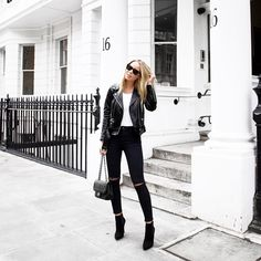 "Victoria Törnegren op Instagram: ""Hello London  Love these light streets ❤️ #southkensington"""