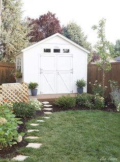 nice 39 Incredible Backyard Retreat Shed Makeover Design Ideas https://decorke.com/2018/05/25/39-incredible-backyard-retreat-shed-makeover-design-ideas/