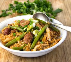 Spicy Chicken Jambalaya with Sausages and Green Beans • Delicious New Orleans style comfort food! • Panning The Globe #SundaySupper