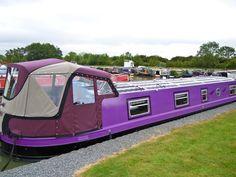 Narrowboat Interiors, Floating Boat, Narrow Boat, Cool Boats, Canal Boat, Boat House, Houseboats, Camper Van, Interior Ideas