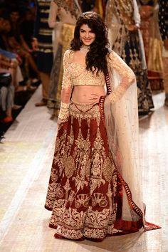 Jacqueline Fernandez at the Lakme Fashion Week Winter/Festive 2014 Day 2. #Bollywood #Fashion #Style #Beauty