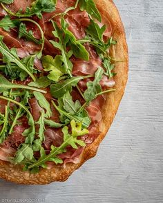 Quarter Italian Pizza of Prosciutto di Parma and Arugula with Black Pepper || Easy Arugula Prosciutto Pizza Recipe - How to make delicious prosciutto pizza with arugula in 25 minutes using only 4 ingredients. Check out this quick Italian pizza recipe on Travelling Foodie. #travellingfoodie #recipes #quickrecipes #pizza Prosciutto Pizza, Arugula Pizza, Quick Recipes, Pizza Recipes, Food Festival, 4 Ingredients, Foodie Travel, Mozzarella, Vegetable Pizza