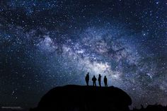 4 friends breathing stars. Northern Lights, Celestial, Stars, Friends, Nature, Travel, Outdoor, Amigos, Outdoors