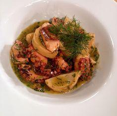 Χταπόδι με αγκινάρες Risotto, Cabbage, Spaghetti, Vegetables, Ethnic Recipes, Food, Veggies, Essen, Cabbages