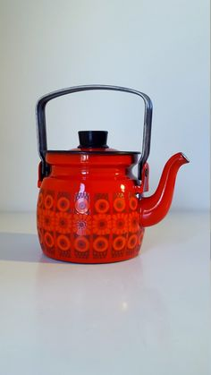 Mid Century Vintage Finel Arabia Orange / Red by fcollectables Vintage Tableware, Vintage Dishes, Enamel Teapot, Red Daisy, Kettle, Tea Party, Eye Candy, Mid Century, Orange Red