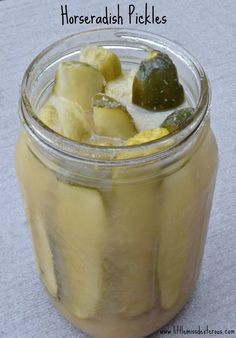 Horseradish Pickles is part of food-recipes - Be ready to taste the best pickles EVER! These Horseradish Pickles are made from an old family recipe Crunchy, sweet, and spicy a party in your mouth! Best Pickles, Spicy Pickles, Pickles Recipe, Garlic Pickles, Butter Pickles, Pickle Vodka, Pickle Pickle, Canning Pickles, Pickled Eggs