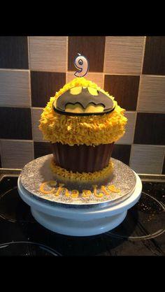 Batman giant cupcake