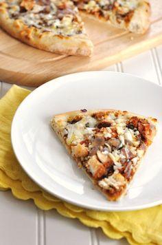 yummmm....semi-homemade BBQ pizza by Jennifer Leal @savorthethyme