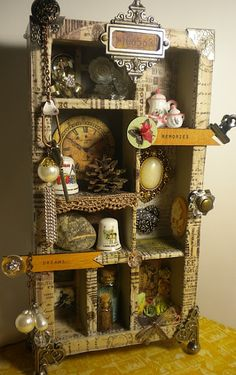 Configuration Box...love, love, love this..looks just like my lit'l Ma.