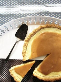 Sós-karamelles krémsajtos torta Naan, Pancakes, Breakfast, Ethnic Recipes, Food, Caramel, Morning Coffee, Meal, Crepes