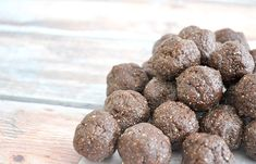 Homemade healthy ferrero rocher balls are so delicious, only 4 ingredients and taste so very similar to the real thing! See more healthy bliss ball recipes