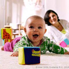 Cu păturici sau covoare moi, întreaga casă poate deveni locul de joacă al bebelușului tău. Chiar și podeaua.  www.IKEA.ro/paturi_bebelusi