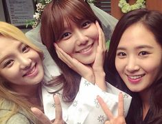 "Girls' Generation Show Support for Sooyoung by Visiting the Set of ""My Spring Day"""