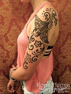 Kona Henna Studio - Manta Ray on the arm with fun swirlys! But I want a real tat- not henna! Hai Tattoos, Manta Ray Tattoos, Sweet Tattoos, Body Art Tattoos, Tribal Tattoos, Henna Tattoos, Cute Henna Designs, Henna Tattoo Designs Simple, Henna Arm