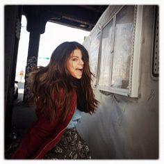 Selena Gomez rocks a pretty skull-print skirt in NYC Selena Gomez Tumblr, Selena Gomez Pictures, Marie Gomez, Pop Singers, Miley Cyrus, Role Models, Beyonce, My Idol, Celebs