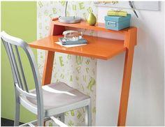 Simple diy desk ideas simple desk ideas a simple mini desk house designs ideas plans home Mesa Home Office, Home Office Desks, Home Office Furniture, Furniture Projects, Diy Furniture, Furniture Storage, Furniture Plans, Diy Laptop, Laptop Desk