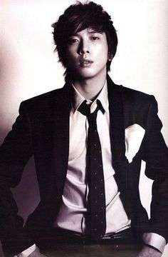 Jung Yong Hwa <3  Great actor AND singer!!