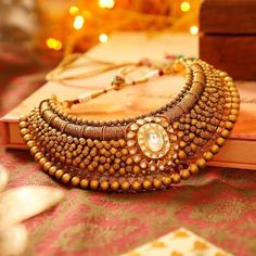 Antique Choker with Big Polki in The Center