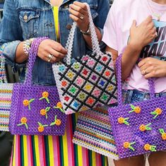 Bolsas de contas @shopbop  #bolsa #bags #acessórios #acessorios #bolsas #GostoDisto Beaded Purses, Beaded Bags, Ideias Diy, Beaded Crafts, Beautiful Handbags, Clothing Items, Fashion Bags, Bag Accessories, Purses And Bags