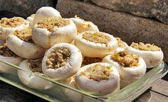 (Zentrum der Gesundheit) - Pilze sind generell sehr gesund, denn sie enthalten viele B-Vitamine, Mineralstoffe und sekundäre Pflanzenstoffe. Champignons können ebenso wie Austern- und Shiitakepilze zu einer Senkung des Cholesterinspiegels beitragen.