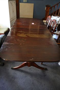What's On My Porch: Duncan Phyfe Table Makeover Antique Dining Tables, Dinning Room Tables, Pedestal Dining Table, A Table, Dinning Set, Duncan Phyfe Chairs, Dining Table Makeover, Mahogany Dining Table, Drop Leaf Table