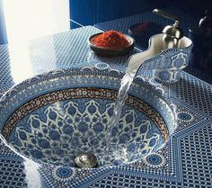 Lovely Porcelain Bathroom Sink _ LUCI E ARREDO | My Word