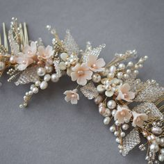 A close up of a bespoke piece we recently designed for UK bride Georgina. Loving the colour palette - soft gold, ivory and subtle blush tones❤️