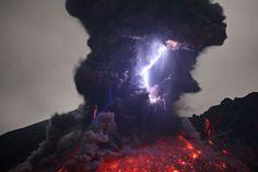 Fotos de vulcão em atividade por Martin Rietze