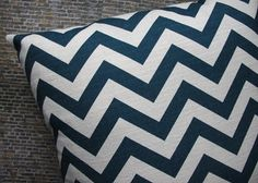 Think I need to add a chevron print to my bedroom ASAP...