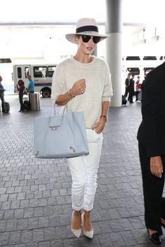 Rosie Huntington-Whitley letting her bag take the spotlight