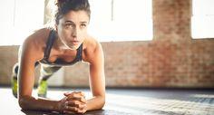 Trainieren, ohne sich dabei zu bewegen – wie soll das funktionieren? Isometrisches Training lässt dich größtmögliche Spannung aufbauen...