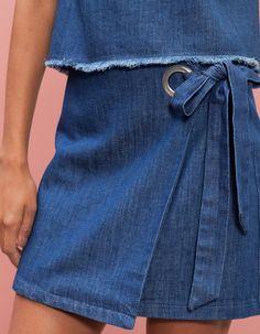 Chez Stradivarius, tu trouveras 1 Jupe portefeuille œillet latéral pour femme pour seulement 19.95 € . Entre et découvre bien d'autres JUPES. Couture Sewing, Crochet, Jeans, Diy, Inspiration, Fashion, Tricot, Wrap Skirts, Recycling