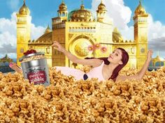 Cat from sam and cat swimming in bibble Yours Truly, Sam E Cat, Ariana Grande, Nickelodeon Shows, Cat Valentine, Famous Stars, Comedy, My Life, Tv Shows