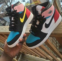 41 Shoe Game That Always Look Great - Women Shoes Trends Jordan Shoes Girls, Girls Shoes, Jordans Girls, Shoes Women, Zapatillas Nike Jordan, Sneakers Fashion, Fashion Shoes, Fashion Clothes, Fashion Fashion
