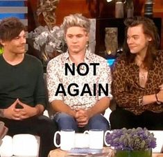Niall's sick of it...I bet him and Shawn do the exact same thing tho Harry 1d, Niall And Harry, I Love One Direction, One Direction Memes, Larry Stylinson, Liam Payne, Niall Horan, Zayn, Louis Tomlinson Imagines