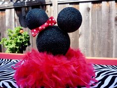 Ideas Baby Shower Ideas For Girls Minnie Mouse Center Pieces For 2019 Minnie Mouse Roja, Minnie Mouse Theme, Mickey Mouse, Mickey Birthday, Mickey Party, Birthday Ideas, 2nd Birthday, Minnie Mouse Baby Shower, Baby Mouse
