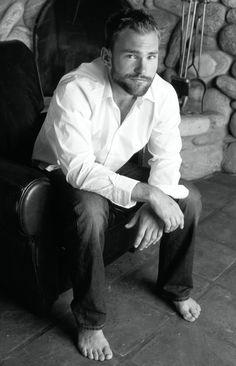 Seann William Scott (First-Beta) Moustache, Seann William Scott, Bare Men, Hottest Male Celebrities, Celebs, Barefoot Men, Hollywood, Male Feet, Raining Men