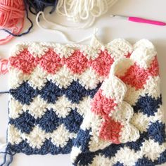 Throwback to one of our favorite gingham blankets! The crochet red buffalo check blanket uses the amazing Paton's Canadiana yarn and is… Crochet Afghans, Crochet Stitches For Blankets, Baby Blanket Crochet, Easy Crochet, Crochet Baby, Free Crochet, Knit Crochet, Afghan Crochet Patterns, Knitting Patterns
