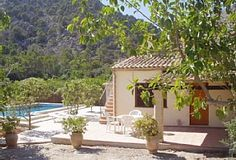 Pollensa Country house surrounded by beautiful countryside, with a large pool