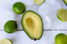 trickytine´s grünes eis am stil: avocado-basil-lime popsicles