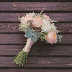 Me encanto el ramo de Soraya, una boda que hicimos en #Granada con postboda en #Bilbao ! Y ahora... Deseando empezar la temporada de bodas! #wedding #weddingideas #weddingspain #weddingphotography #flower #bride #bridal #boda #postboda #instalike #instalove #love #colorful #vcso #tagsforlikes #photooftheday #pic #picoftheday