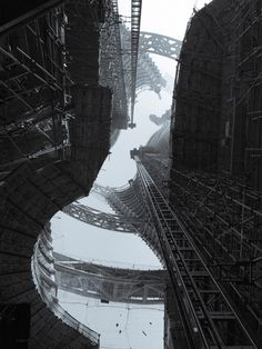 "rhubarbes:   Zaha Hadid Architects reveals shots of ""world's highest atrium"" via dezeen"